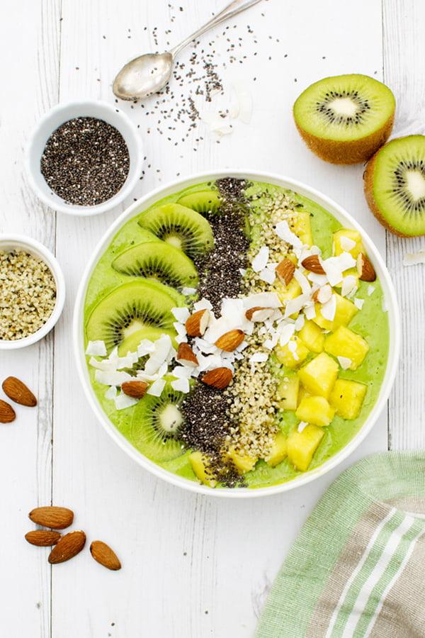 Smoothie Bowl Tropical [vegan] [sans gluten] © Le Flexitarien - Annabelle Randles