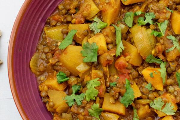 Cocotte de lentilles aux patates douces et poireaux [vegan] [sans gluten] © Le Flexitarien - Annabelle Randles