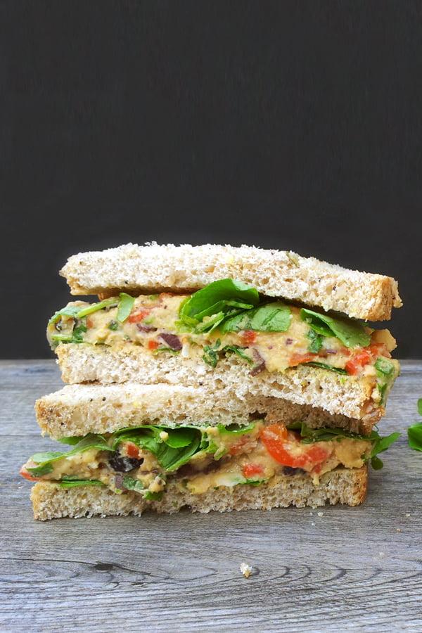 Sandwich méditerranéen [vegan] © Le Flexitarien - Annabelle Randles