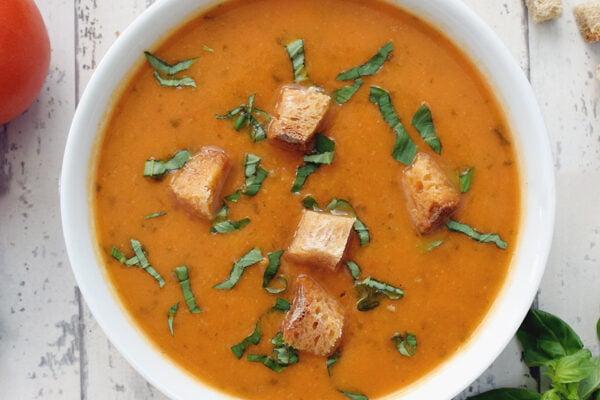 Soupe de courgettes et tomates au basilic [végétarien] © Le Flexitarien - Annabelle Randles