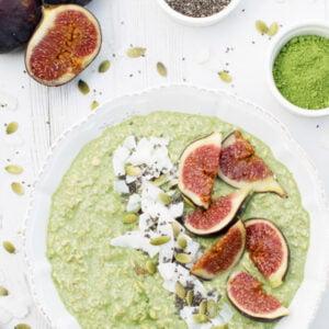 Overnight porridge au matcha, coco et figues [vegan] by © Le Flexitarien - Annabelle Randles